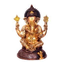 Ganesha Blessing with Shanka and Chakra