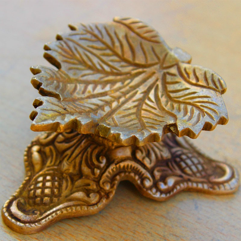 Adorable Leaf Diya