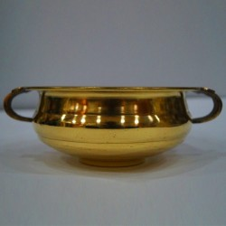 Buy shining urli made of brass