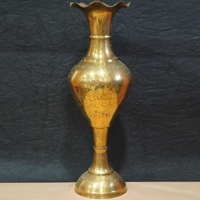 Buy Flower Shaped Opening Brass Flower Vase