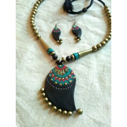 Terracotta Mango Shaped Pendent Necklace with earrings
